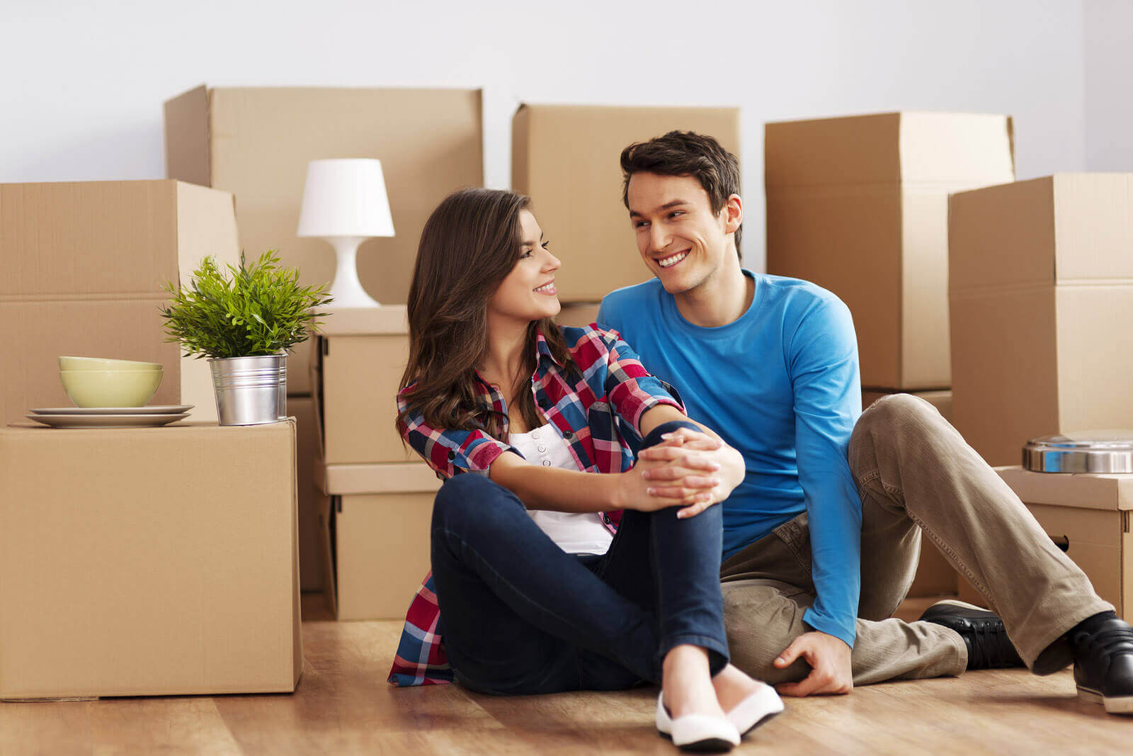 молодожены, покупка мебели на заказ